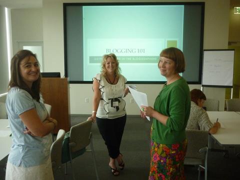Presenting workshop Blogging 101 at Austin SCBWI